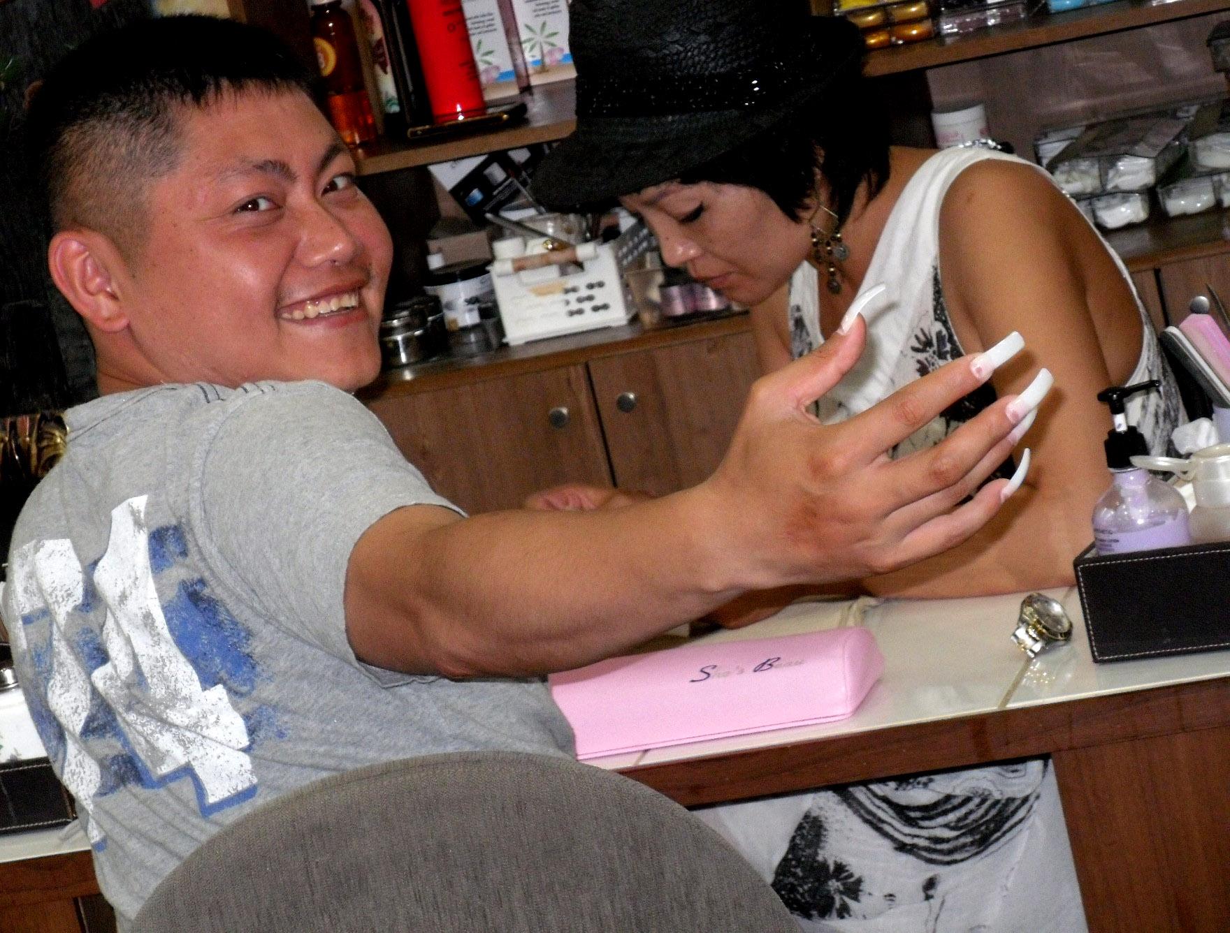 Getting a manicure in seoul